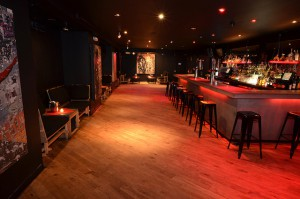 Versatile Gallery Bar