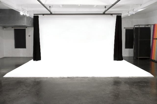 INTIMATE CHELSEA PHOTOGRAPHY STUDIO